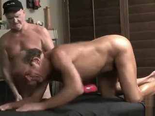 TRAILER O4M Older men Masseur